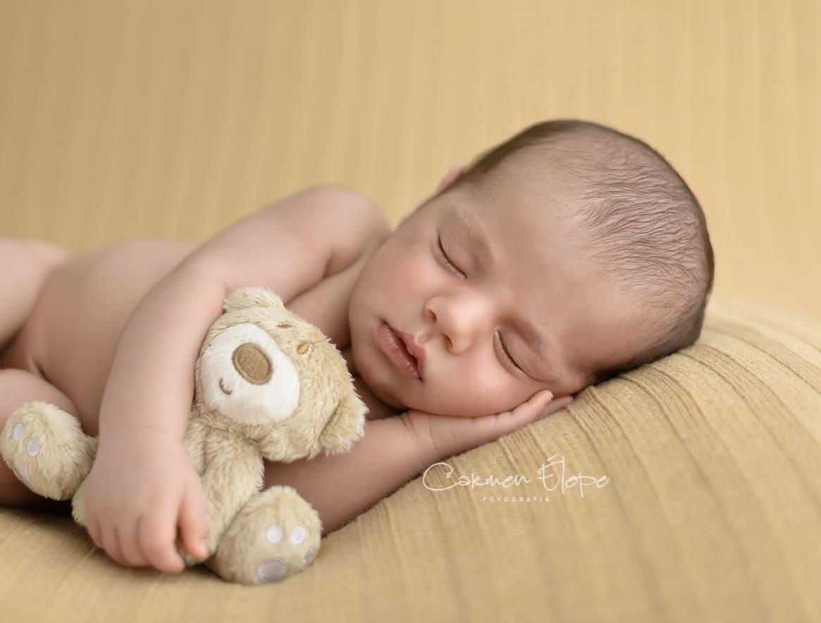 Fotógrafa de bebés recién nacidos
