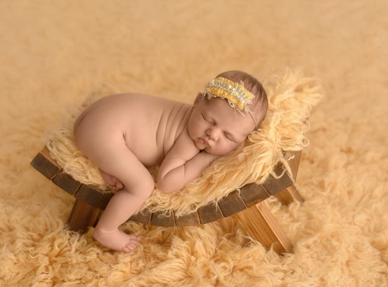 Fotos Recien Nacido Cubo Cunita Amarillo Newborn Carmen Elepe Fotografia Murcia