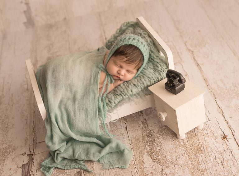 Sesion Newborn Murcia Carmen Elepe Fotografia Fotos Recien Nacido Bonitas Camita Verde Mint